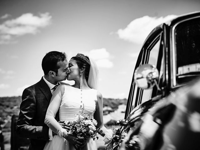 La boda de Carlos y Nuria en Villafranca De Los Barros, Badajoz 21