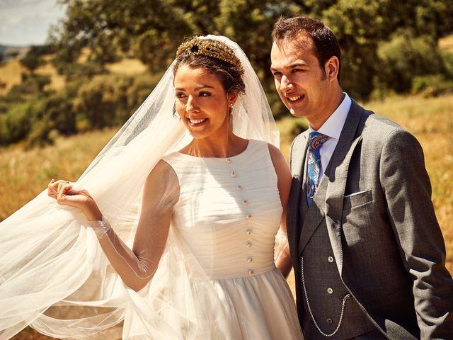 La boda de Carlos y Nuria en Villafranca De Los Barros, Badajoz 23