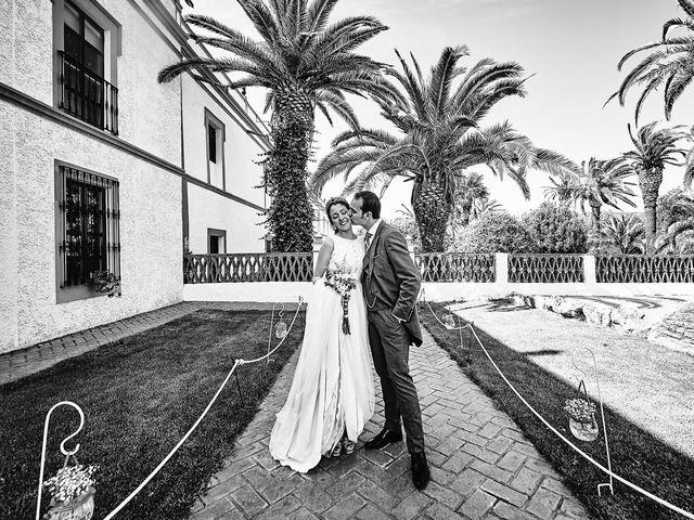 La boda de Carlos y Nuria en Villafranca De Los Barros, Badajoz 27