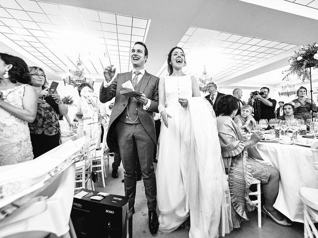 La boda de Carlos y Nuria en Villafranca De Los Barros, Badajoz 31