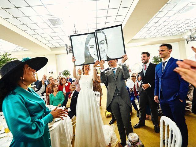 La boda de Carlos y Nuria en Villafranca De Los Barros, Badajoz 32