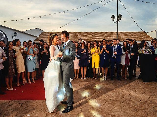La boda de Carlos y Nuria en Villafranca De Los Barros, Badajoz 36