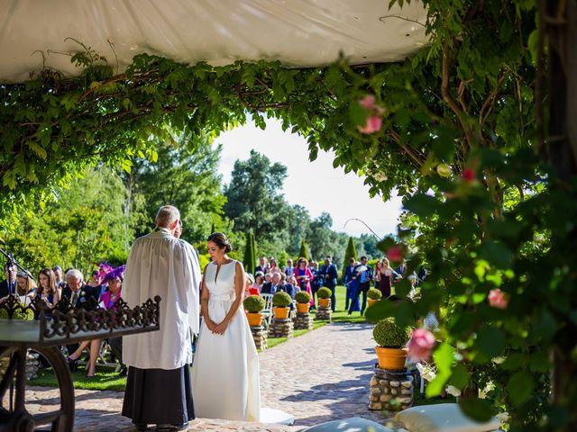 La boda de Edward y Nuria en Torremocha Del Jarama, Madrid 33