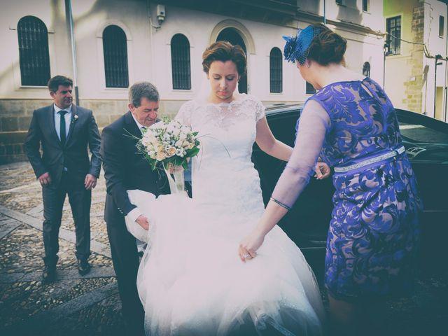 La boda de Jesús y Fuencis en Plasencia, Cáceres 13