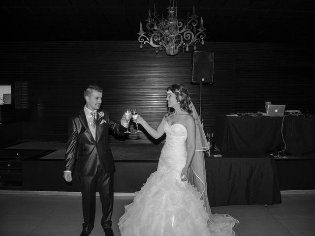 La boda de Victor y Elora en Elda, Alicante 17