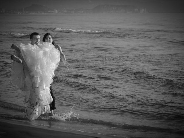 La boda de Victor y Elora en Elda, Alicante 23