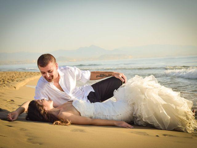 La boda de Victor y Elora en Elda, Alicante 24
