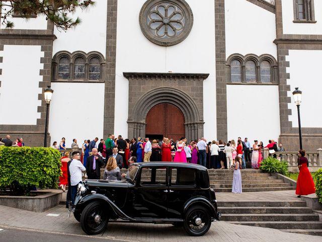 La boda de Cristian y Grima en Galdar, Las Palmas 15