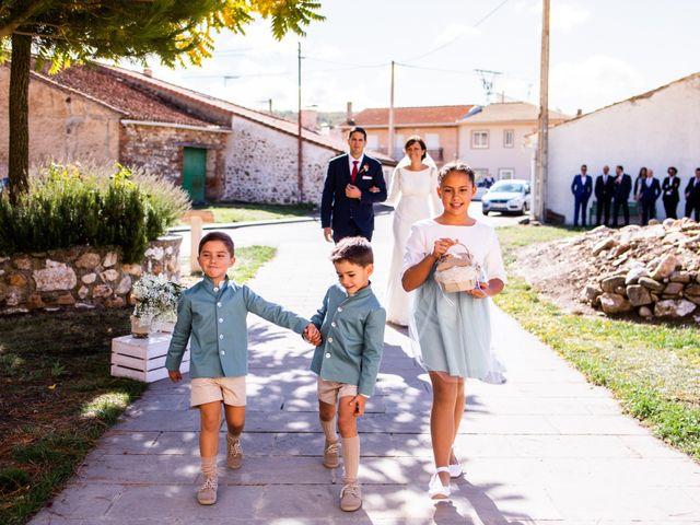 La boda de Dani y Ester en Sotos De Sepulveda, Segovia 36