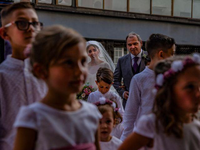 La boda de Manuel y Alba en Dos Hermanas, Sevilla 36