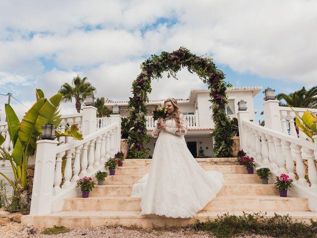 La boda de Juan José y Chloe en Alacant/alicante, Alicante 21