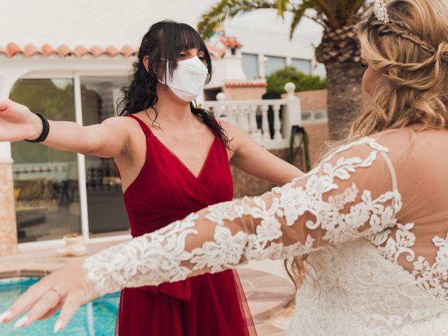 La boda de Juan José y Chloe en Alacant/alicante, Alicante 32