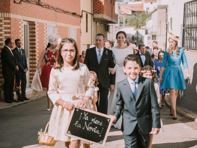 La boda de Ángel y Rosa María en Villanueva De Cordoba, Córdoba 13