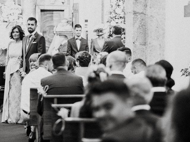 La boda de Miguel y Maria en Oleiros, A Coruña 17