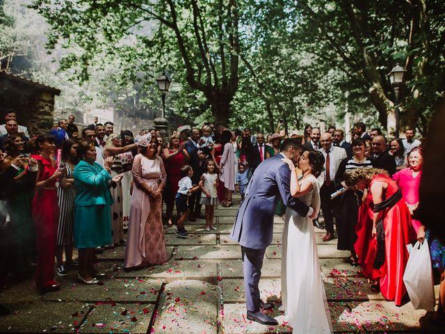 La boda de Miguel y Maria en Oleiros, A Coruña 27