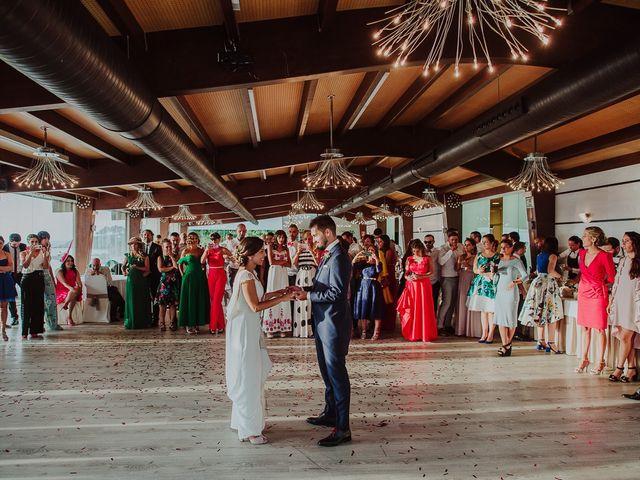 La boda de Miguel y Maria en Oleiros, A Coruña 57