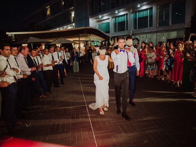 La boda de Miguel y Maria en Oleiros, A Coruña 73