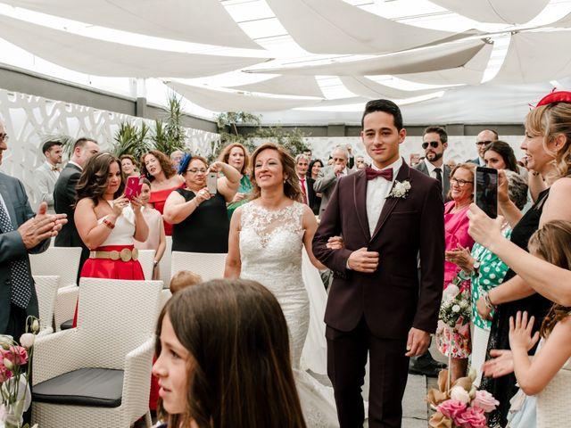 La boda de Juanfra y Mari Ángeles en Casar De Caceres, Cáceres 21