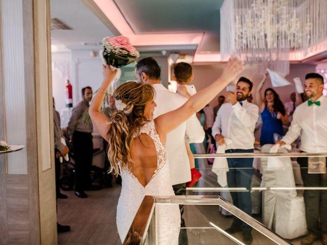 La boda de Juanfra y Mari Ángeles en Casar De Caceres, Cáceres 31
