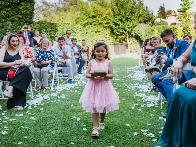 La boda de Miguel y Silvia en Sant Fost De Campsentelles, Barcelona 74
