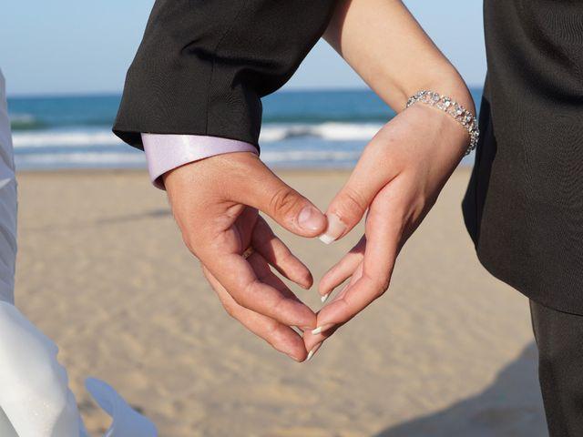La boda de Abraham  y Sheila en Los Perez (Ayuntamiento Torrevieja), Alicante 31