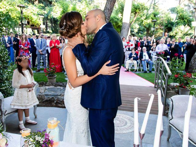 La boda de Sandra y Alberto en Madrid, Madrid 36