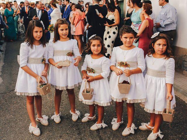 La boda de Dani y Bea en Zarza La Mayor, Cáceres 56