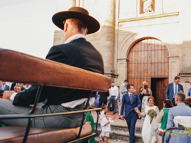 La boda de Dani y Bea en Zarza La Mayor, Cáceres 98