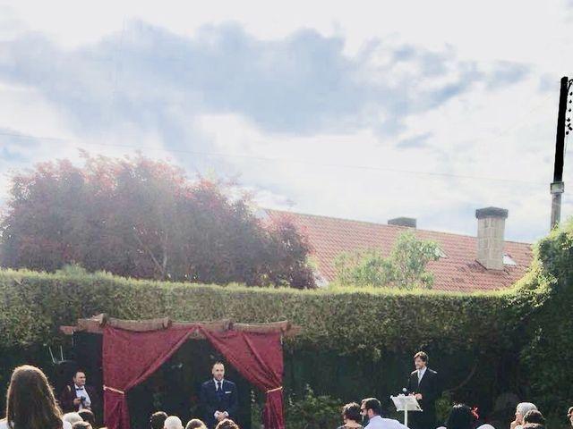 La boda de Carlos  y Nerea en Santiago De Compostela, A Coruña 21
