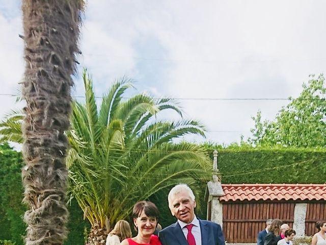 La boda de Carlos  y Nerea en Santiago De Compostela, A Coruña 34