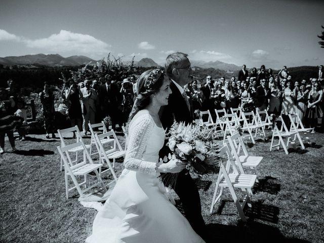 La boda de Juan y Ali en Cangas De Onis, Asturias 100