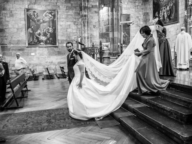 La boda de Unai y Garazi en Loiu, Vizcaya 15