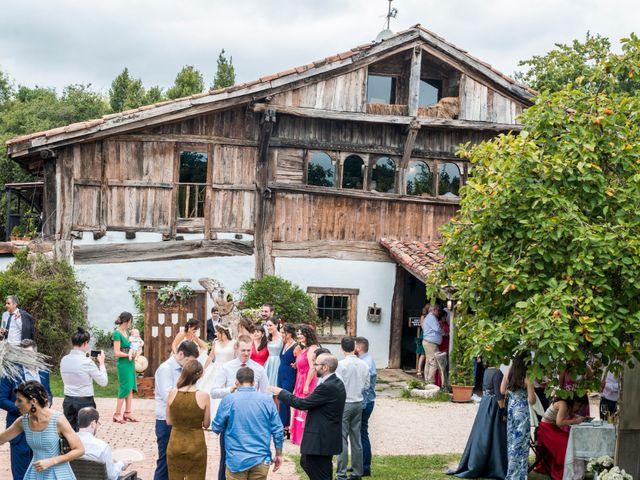 La boda de Unai y Garazi en Loiu, Vizcaya 26