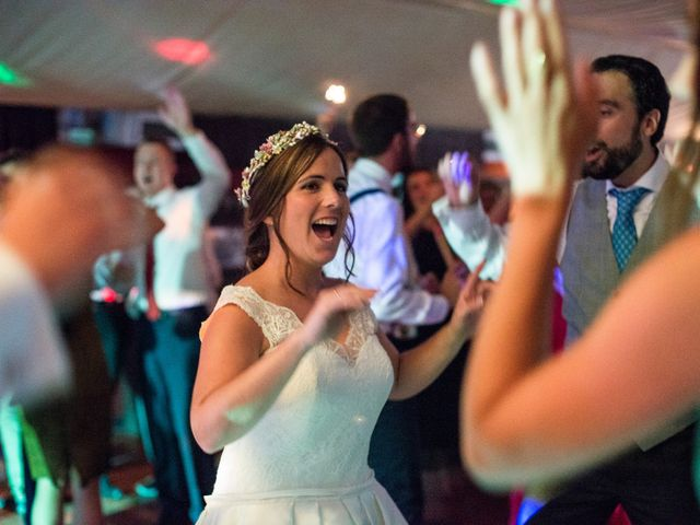 La boda de Unai y Garazi en Loiu, Vizcaya 32