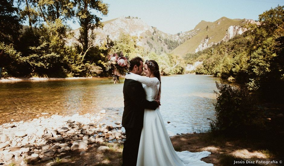 La boda de Juan y Ali en Cangas De Onis, Asturias