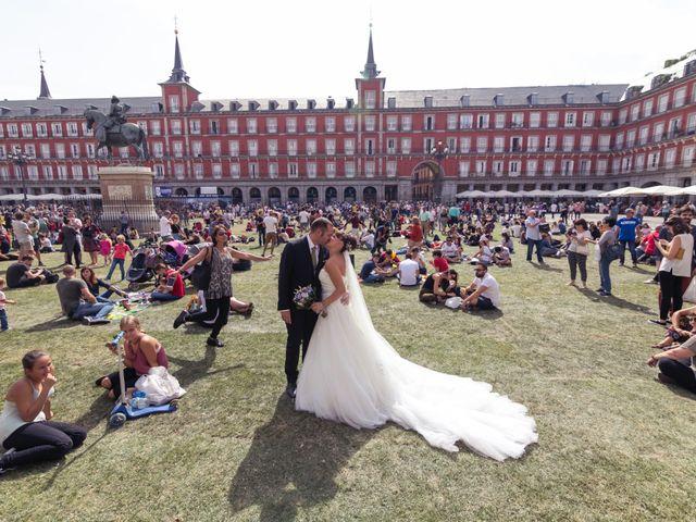 La boda de Miguel y Natalia en Madrid, Madrid 17