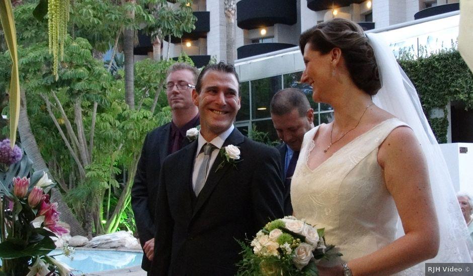 La boda de Mike y Nicole en L' Alfàs Del Pi, Alicante
