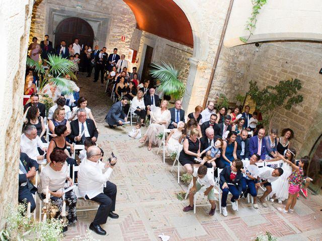 La boda de Roger y Lis en Torroella De Montgri, Girona 14