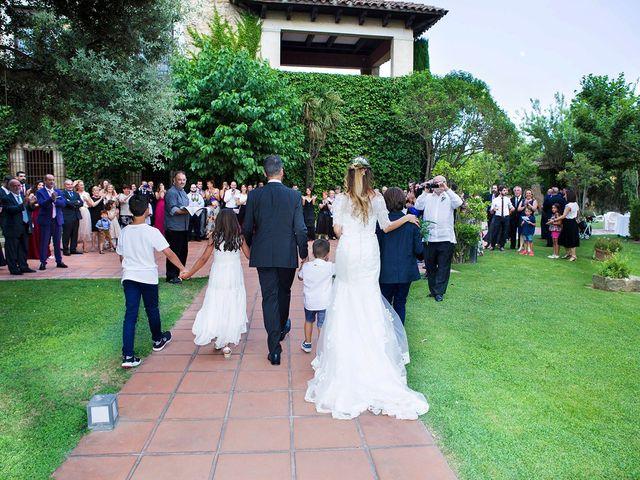 La boda de Roger y Lis en Torroella De Montgri, Girona 27