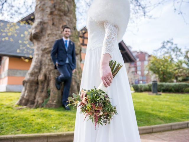 La boda de Rubén y Nagore en Santurtzi, Vizcaya 24