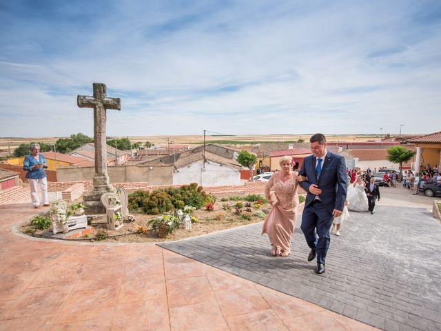La boda de Carlos y Lorena en Pozal De Gallinas, Valladolid 13