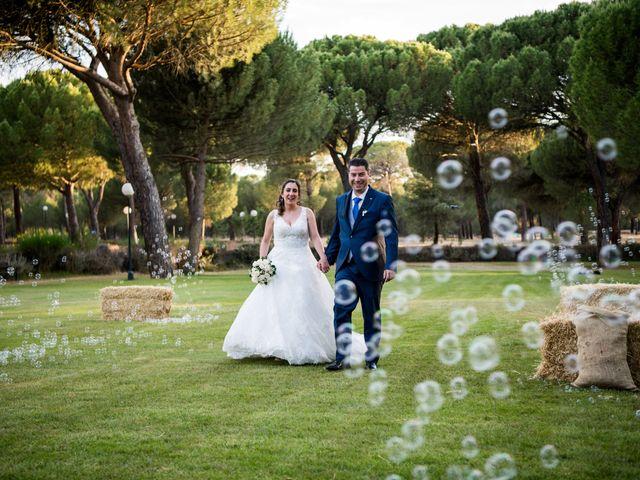 La boda de Carlos y Lorena en Pozal De Gallinas, Valladolid 43