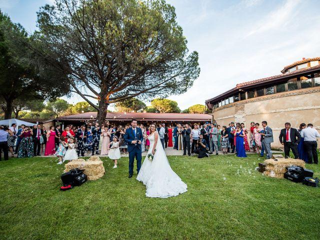La boda de Carlos y Lorena en Pozal De Gallinas, Valladolid 47