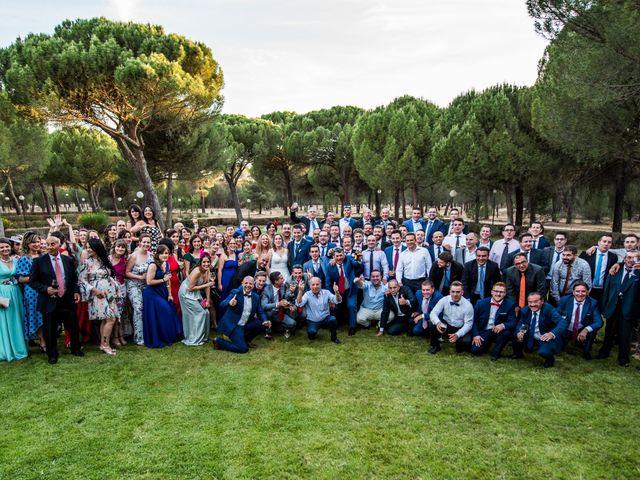 La boda de Carlos y Lorena en Pozal De Gallinas, Valladolid 49