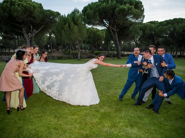 La boda de Carlos y Lorena en Pozal De Gallinas, Valladolid 50