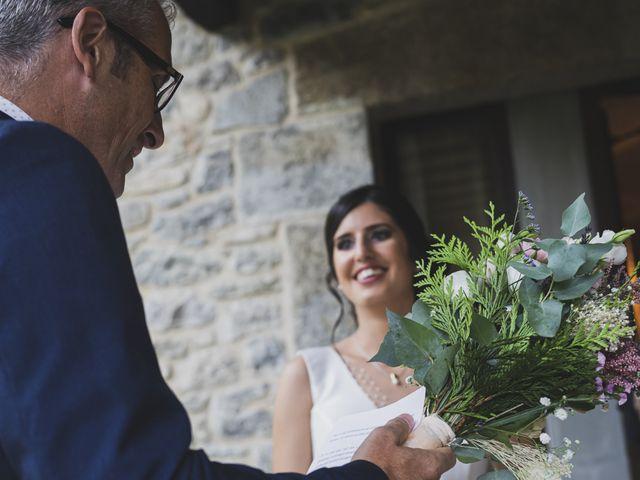 La boda de David y Esther en Sant Ferriol, Girona 18