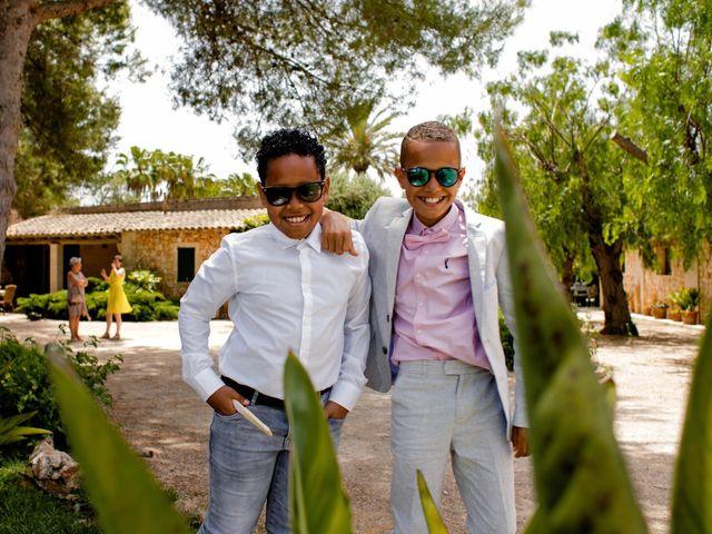 La boda de David y Lissa en Campos, Islas Baleares 63