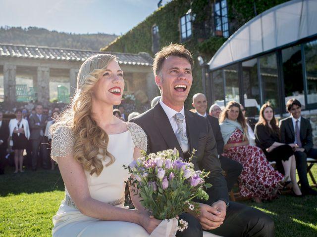 La boda de Álvaro y Laura en Pontevedra, Pontevedra 51