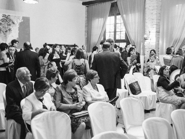 La boda de Víc y Cel en San Juan Mozarrifar, Zaragoza 17