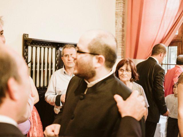 La boda de Víc y Cel en San Juan Mozarrifar, Zaragoza 16